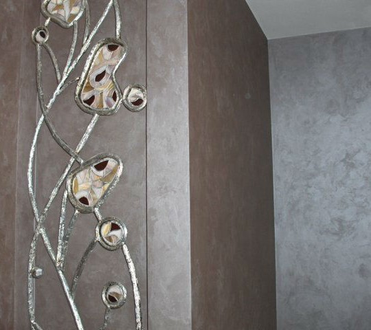 http://blog.romana2000.com/wp-content/uploads/2015/11/Argentea_Italian_silk_silvered_decorative_wall_paint-1-540x480.jpg